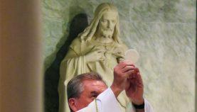 cropped-sacred-heart-and-eucharist-maritajadlos2.jpg